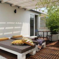 tappezzeria-su-misura-di-divani-da-esterno