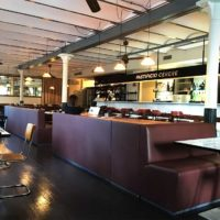 realizzazione-su-misura-di-divani-per-bar-e-ristorante